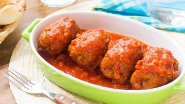 Involtini-di-Carne-al-Sugo-Ricetta-Facile-Involtini-con-Prosciutto-e-Formaggio-55Winston55-attachment