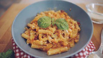 Pasta-con-peperoni-Primo-piatto-gustoso-e-veloce-attachment
