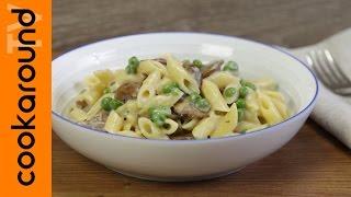 Pasta-piselli-e-funghi-Primo-piatto-ricco-e-cremoso-attachment