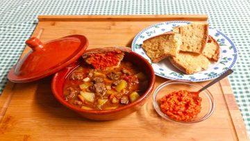 Ricetta-Gulasch-ungherese-Secondo-piatto-speziato-attachment