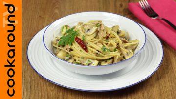 Spaghetti-tonno-e-funghi-Ricetta-primi-piatti-attachment