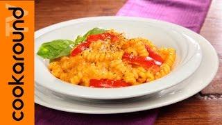 Fusilli-bucati-con-crema-di-peperoni-Ricette-pasta-attachment