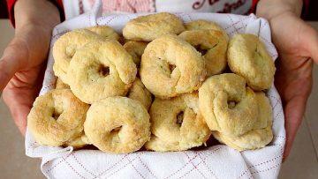 TARALLI-DOLCI-AL-VINO-BIANCO-RICETTA-FACILE-Italian-Wine-Doughnuts-Recipe-attachment