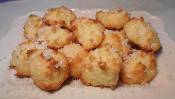 BISCOTTINI-AL-COCCO-deliziosi-Ricetta-facile-e-veloce-attachment