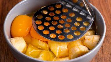 Ho-mescolato-3-banane-con-2-uova-e-ho-ottenuto-un-dessert-eccezionale.-Saporito.TV-attachment