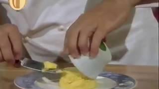 Sformato-di-parmigiano-e-salsa-alla-lattuga-attachment
