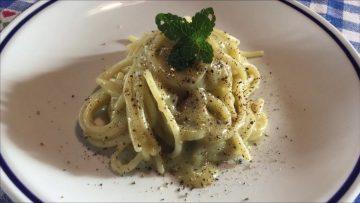 Spaghetti-con-crema-di-gambi-di-carciofi-attachment