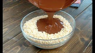 Versa-il-cioccolato-sul-riso-soffiato-una-ricetta-super-golosa-attachment