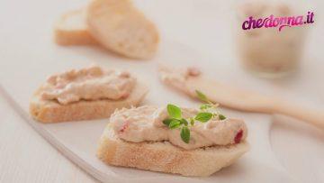 Barchette-croccanti-con-mousse-di-tonno-ricetta-antipasti-attachment