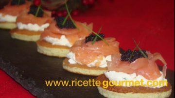 Blinis-con-salmone-antipasti-sfiziosi-attachment