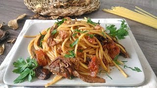 Spaghetti-con-porcini-secchi-e-tonno-Spaghetti-with-porcini-mushrooms-and-tuna-attachment