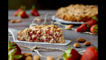 Torta-Cookie-alle-Fragole-e-Mandorle-attachment
