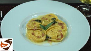 Tortelli-di-patate-ricetta-con-speck-salvia-e-parmigiano-primi-piatti-potato-ravioli-recipe-attachment