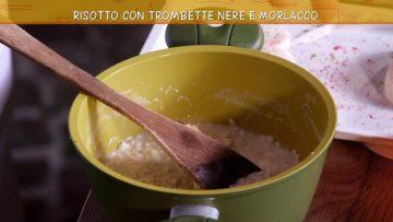 Video-ricetta-Risotto-con-Trombette-Nere-e-Morlacco-Ricette-all39Italiana-attachment