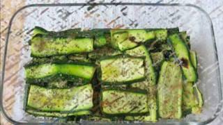Zucchine-Grigliate-al-forno-con-olio-e-origano-antipastocontorno-ricetta-facile-e-gustosa-attachment