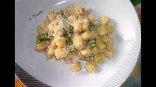 Primi-piatti-con-asparagi.Gnocchi-con-porri-pancetta-affumicata-e-asparagi-attachment
