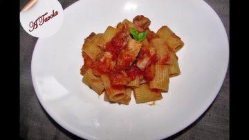 Ricette-Verdure-e-Pesce.-Mezze-maniche-con-sugo-di-melanzane-e-tonno-attachment