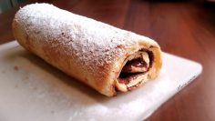 Rotolo-alla-nutella-ricetta-facile-Nutella-Swiss-Roll-attachment